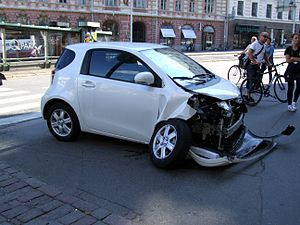 English: Crashed car in Helsinki