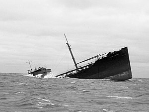 English: Bow section of tanker SS Pendleton gr...