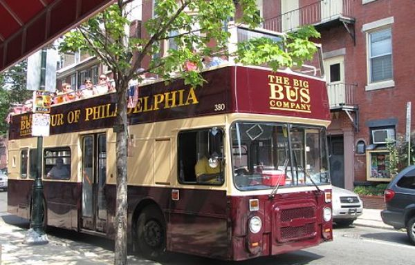 Hopping on and off a BigBus Tour is one of the top 9 things to do in Philadelphia with kids. Click over for more ideas and activities.