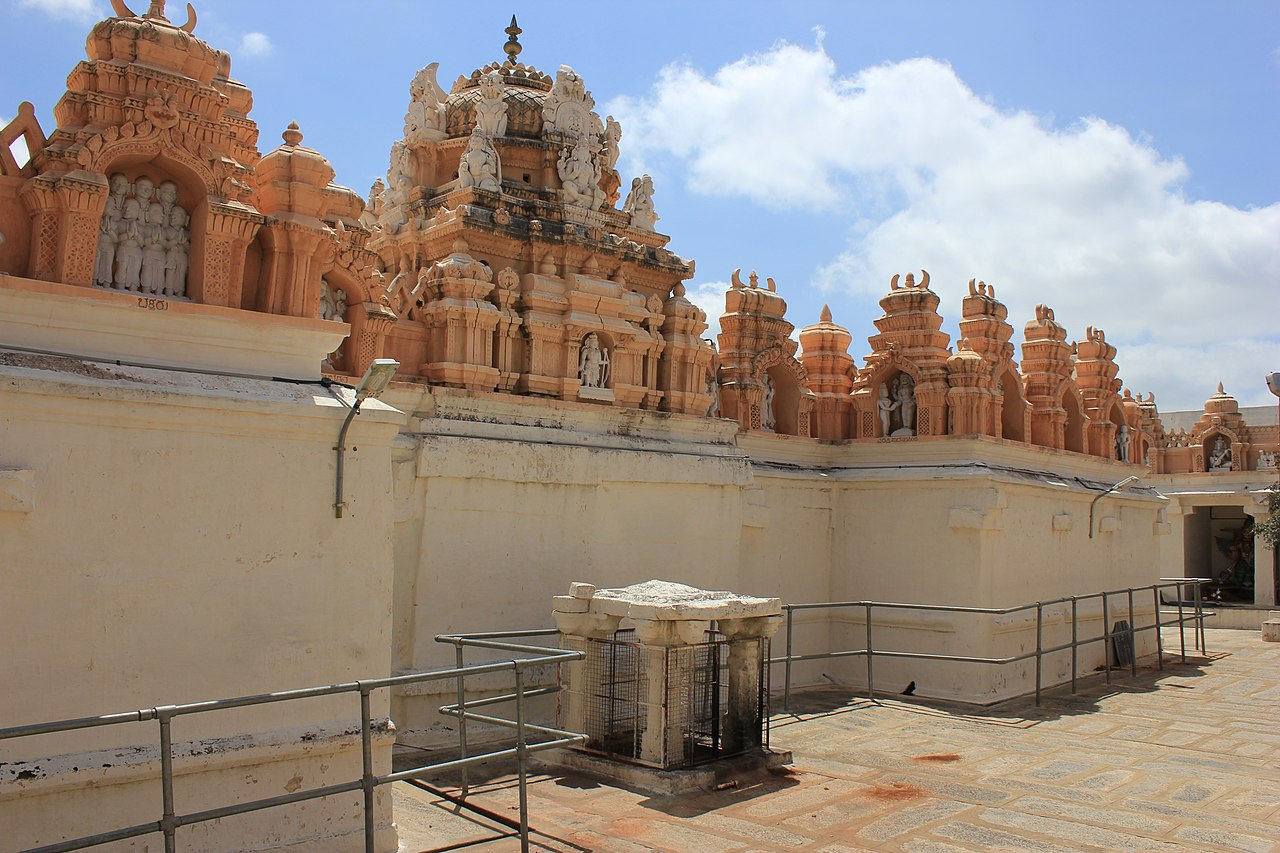 File:Dravidian style Shikhara (superstructure) over shrines in the Narasimha Swamy temple at Seebi.jpg - Wikimedia Commons
