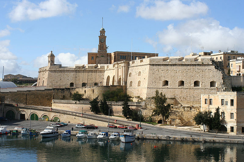 800px-malta-city-wall