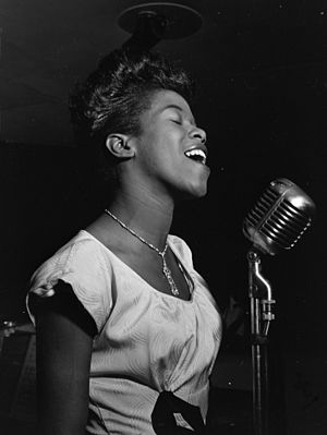 English: Sarah Vaughan, possibly Cafe Society,...
