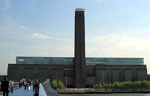 English: Tate Modern, London, from the Millenn...