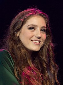 A picture of Birdy in October 2013.
