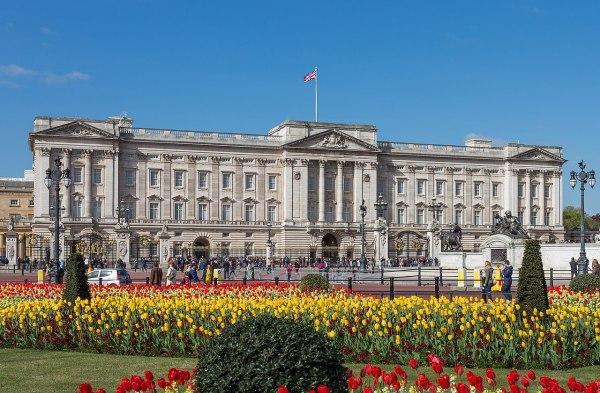 File Buckingham Palace Gardens London Uk - Diliff Cropped Wikimedia Commons