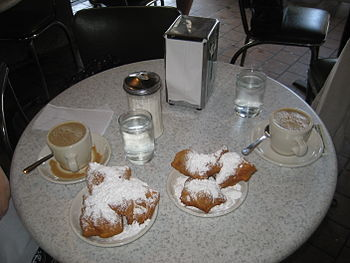 Coffee & beignets at Café du Monde, French Qua...