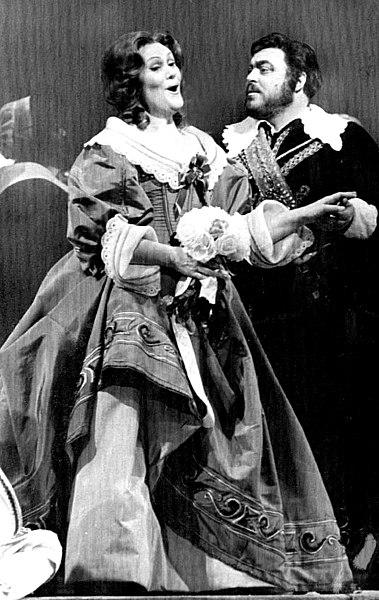 File:Pavarotti - Sutherland 1976.jpg