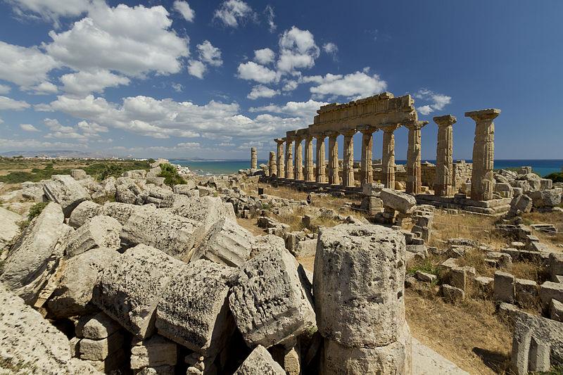 File:Selinunte - tempio C.jpg