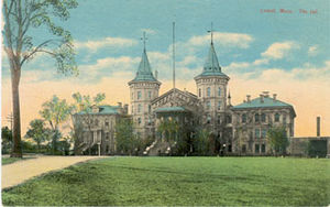 English: Old post card of Lowell MA jail house