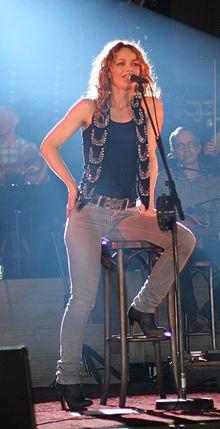 Lunon - Vanessa Paradis Solidays 2010.JPG