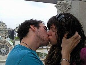 English: love Español: amor