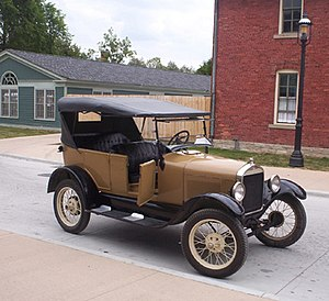 English: Picture of non-black 1927 Model T at ...