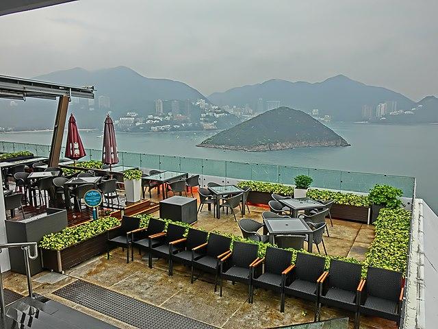 File:HK 香港海洋公園 Ocean Park Terrace Cafe podium restaurant view Southern District Ap Lei Chau channel Middle Island 11 Apr 2013.JPG ...