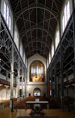 P1030298 Paris XIV église Notre-Dame-du-Travail nef rwk