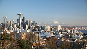 Deutsch: Seattle Skyline von Queen Anne Hill. ...
