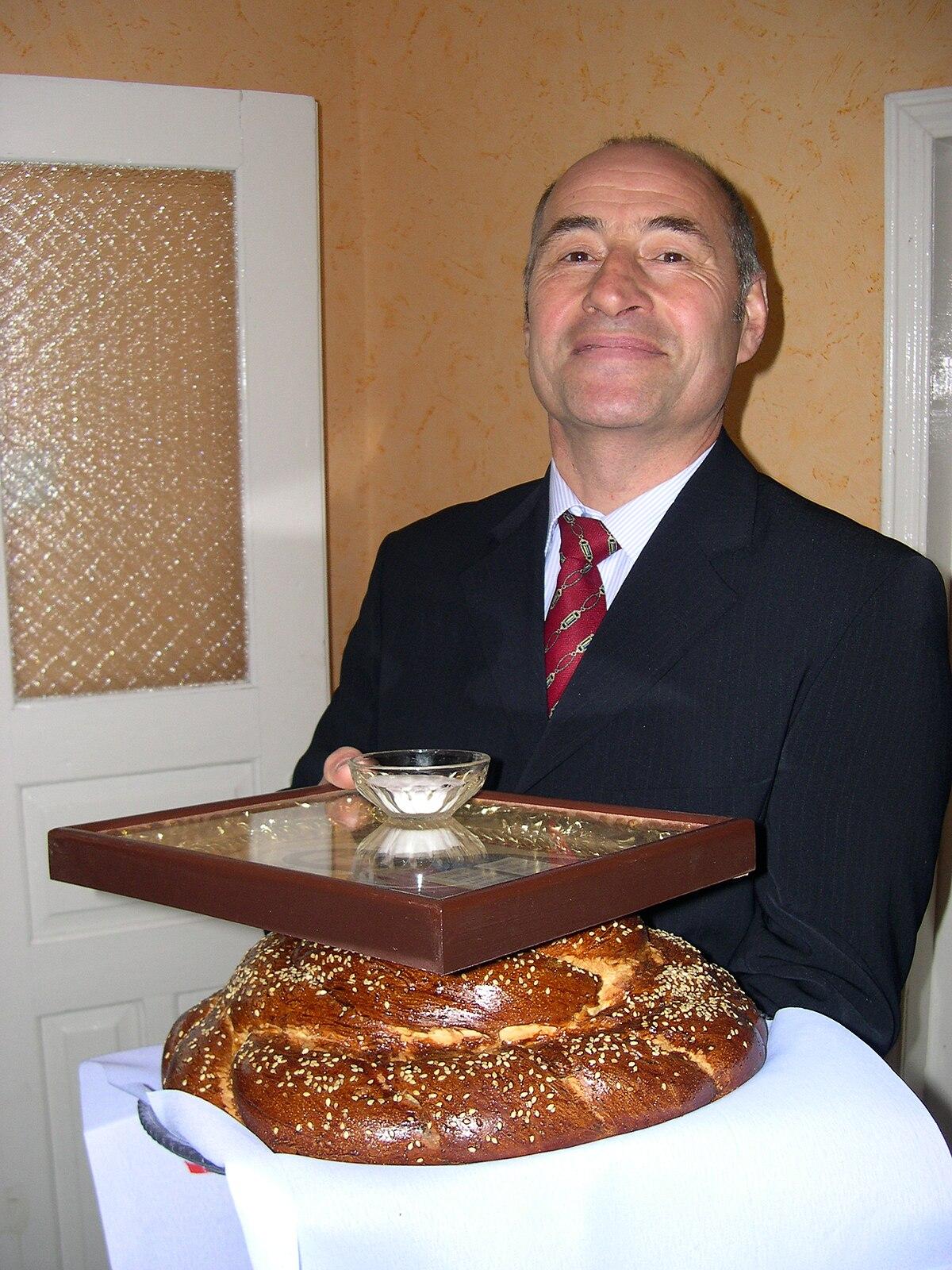 Pan y sal  Wikipedia la enciclopedia libre