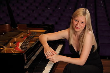English: Pianist Valentina Lisitsa during an i...