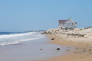 English: Beaches houses on the western side of...