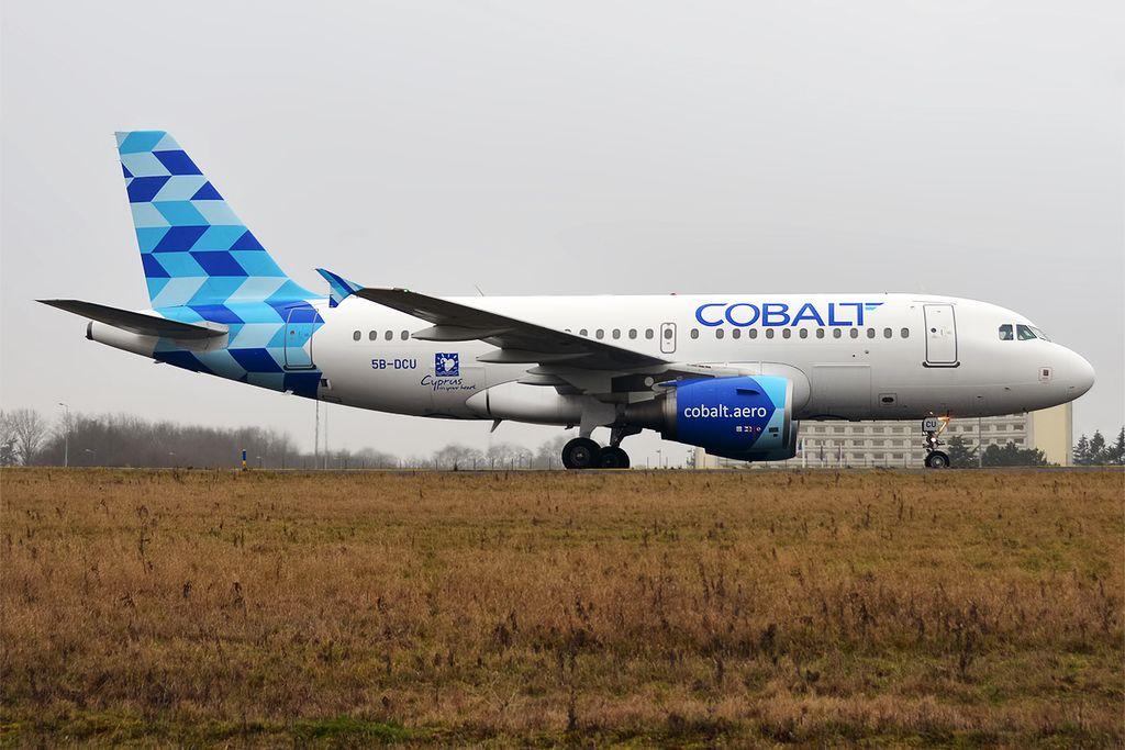 1024px-Cobalt%2C_5B-DCU%2C_Airbus_A319-112_%2832243653653%29 Cobalt, l'ennesima compagnia in fallimento