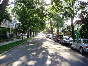 English: The neighbourhood of Danforth Village...