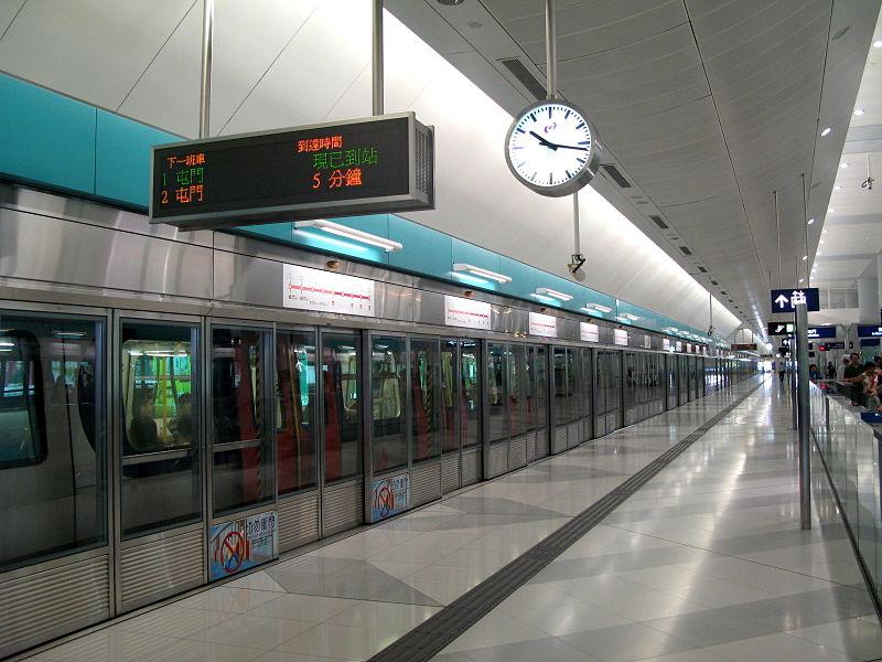 Dörrar i Hong Kongs tunnelbana