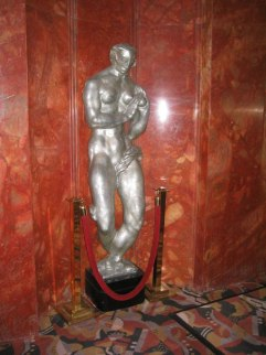 Art-deco statue Eve by Gwen Lux, in the lobby ...
