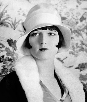 Actress Louise Brooks in 1927, wearing bobbed ...