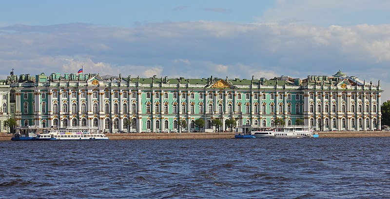 File:Spb 06-2012 Palace Embankment various 14.jpg