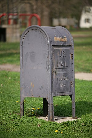 Deutsch: English: U.S. Mail Storage Box