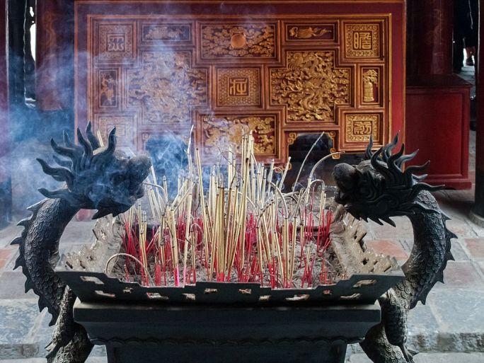 Hanoi Temple of Literature incense