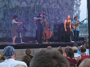 Apple on tour with Nickel Creek in 2007