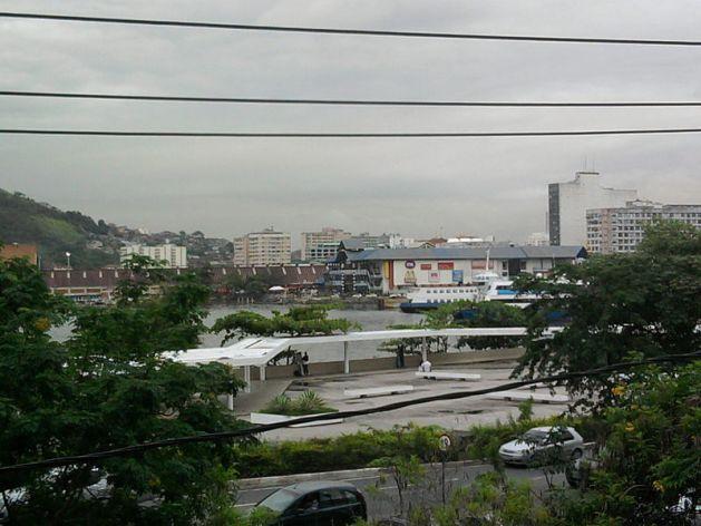 Ficheiro:Praça JK (Niterói).jpg
