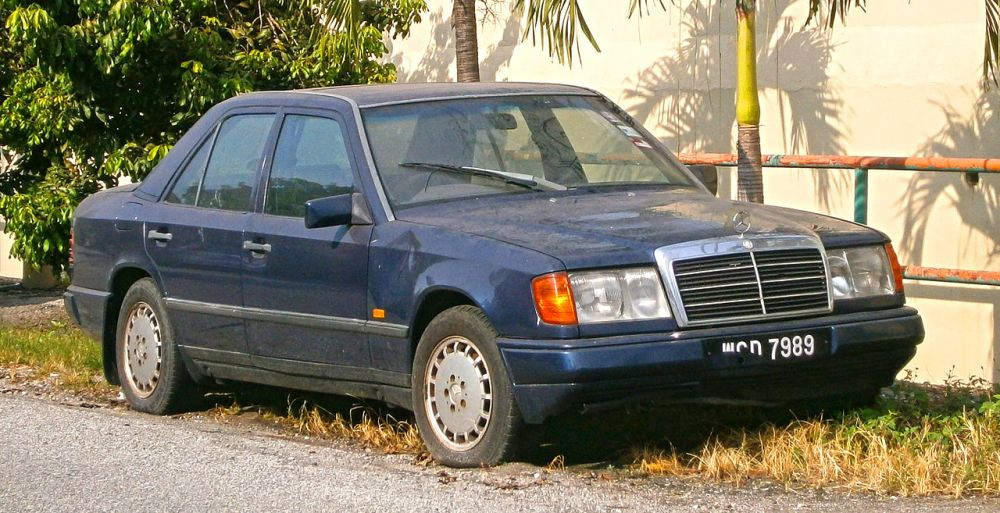 medium resolution of file 1997 mercedes benz e class w124 4 door sedan 19940952995 jpg