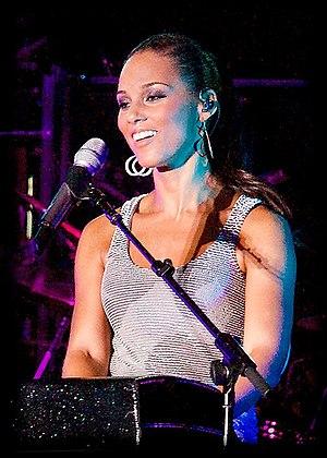 Alicia Keys at Tokyo Summer Sonic 2008.