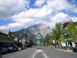 Banff Avenue - Cascade Mountain