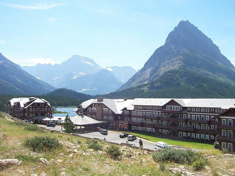 File:Many glacier hotel.jpg