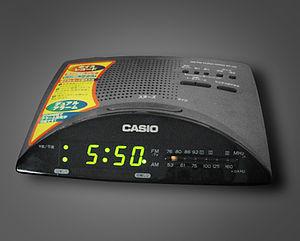 English: Radio Alarm Clock 日本語: アナログチューニングラジオ付...