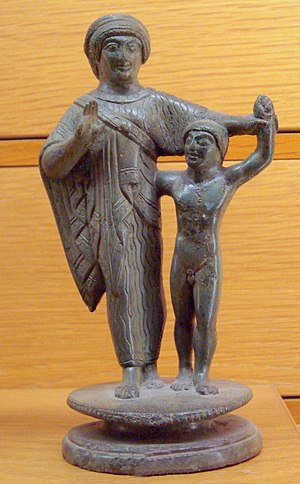 Etruscan_mother_and_child_500_to_450_BCE