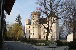 Français : Château de La Roche-sur-Foron en Ha...