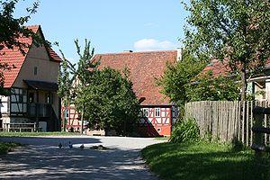 Deutsch: Das Freilandmuseum Wackershofen. Blic...