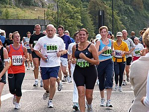 Fun runners taking part in the 2006 Bristol Ha...