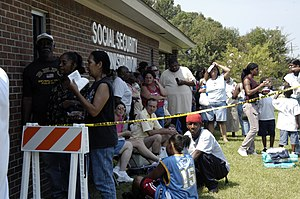 English: Baton Rouge, LA, 9/3/05 -- Victims of...