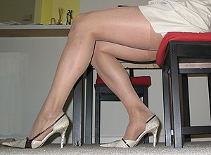 English: A picture of women's legs in pantyhose