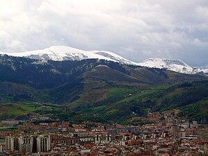 Español: Montes nevados en Bilbao, España.