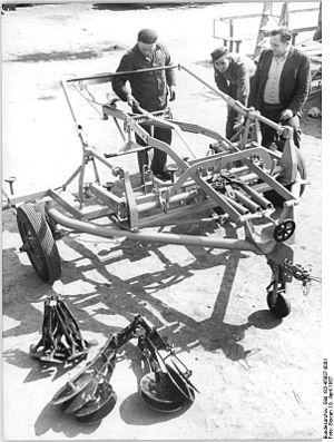 Bundesarchiv Bild 183-45807-0001, Kleinwanzleb...