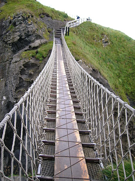 File:Carrick-a-rede rope bridge.jpg