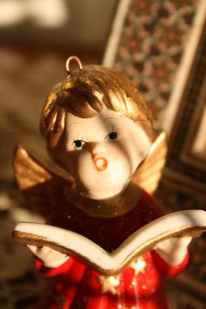 Figure of a chanting Angel