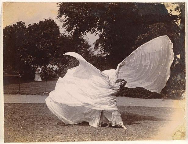 Loie Fuller Dancin