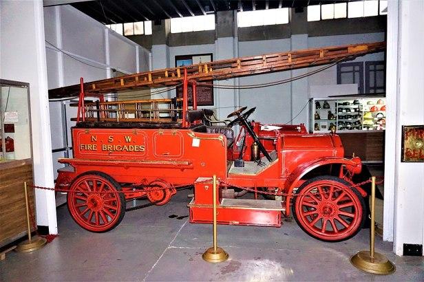 1916 Garford Type 64 Fire Engine - Joy of Museums