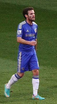 Mata returning to Chelsea's half.jpg